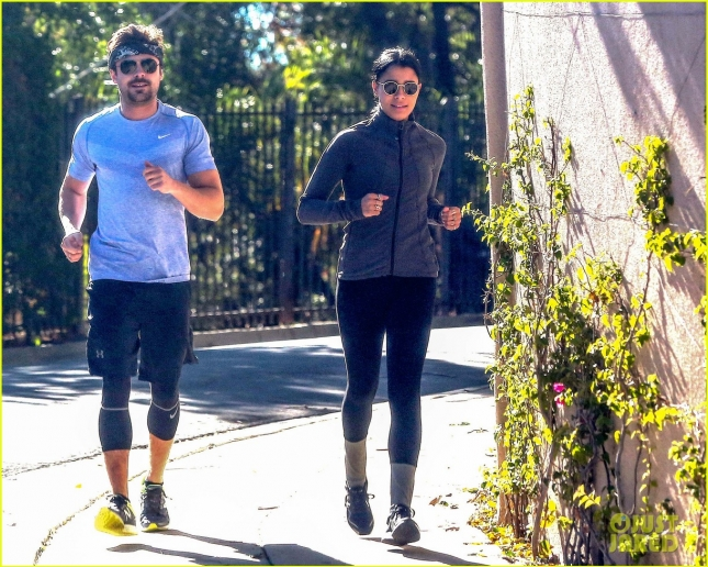 Zac Efron & Girlfriend Sami Miro Work Up a Sweat While Out For a Jog Together