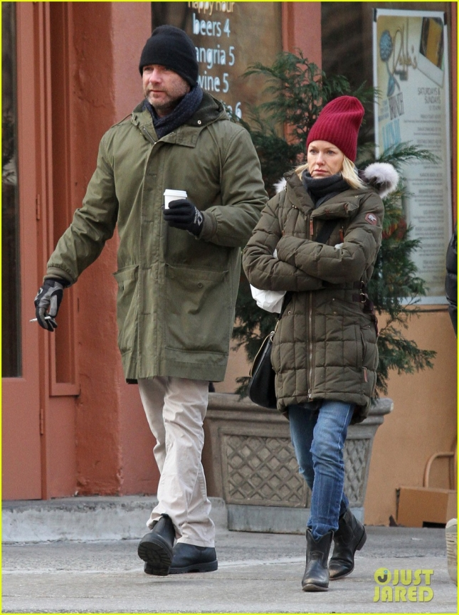 Liev Schreiber & Naomi Watts Fight The Cold In NYC