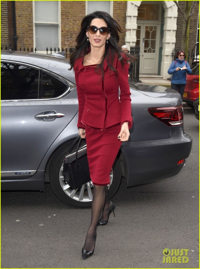 amal-clooney-starts-the-week-as-the-lady-in-red-09