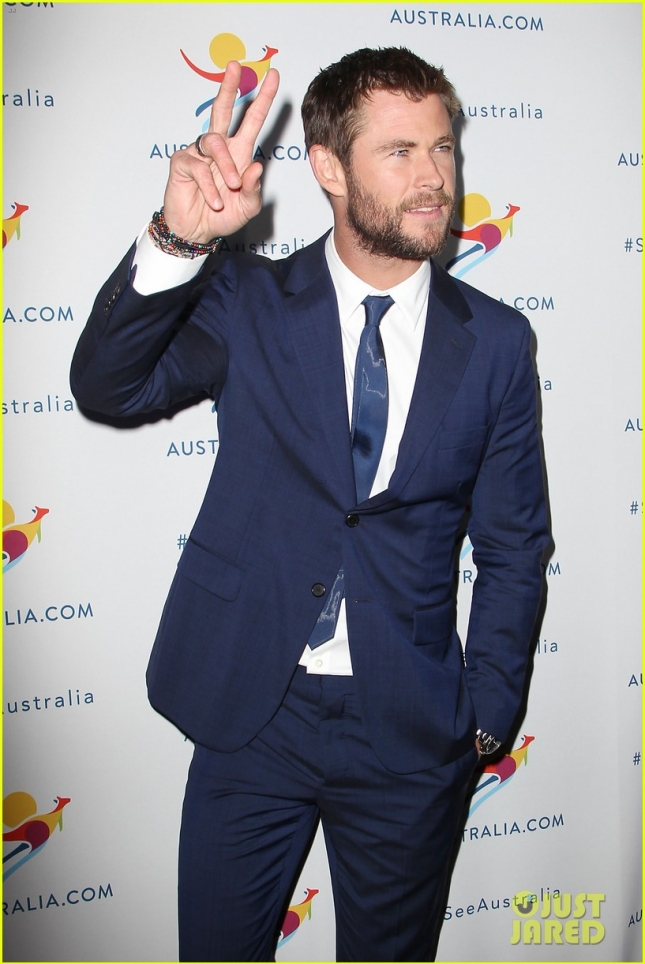 chris-hemsworth-remains-coy-about-miley-and-liams-engagment-17