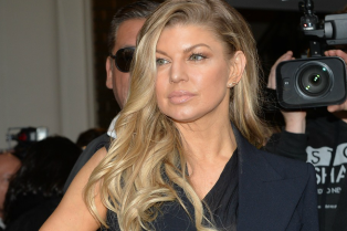 fergie-set-to-release-new-album-in-march-06