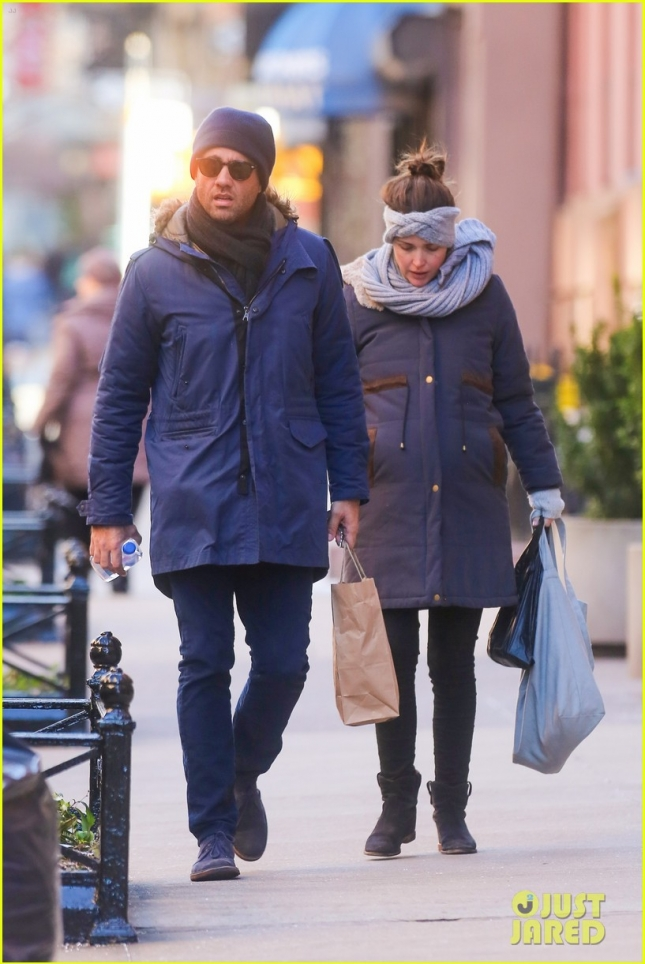 rose-byrne-bobby-cannavale-shop-groceries-05