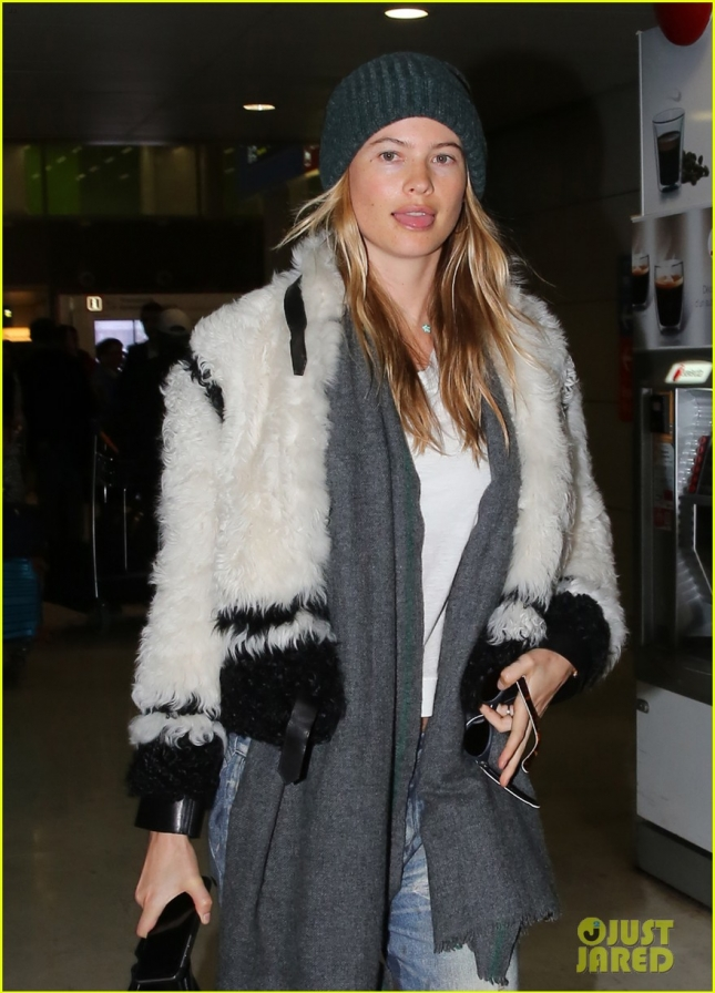 Behati Prinsloo Touches Down In Paris