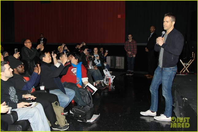 ryan-reynolds-sits-on-deadpools-lap-at-nyc-fan-screening-05