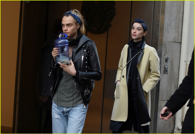 cara-delevingne-st-vincent-have-romantic-paris-dinner-51