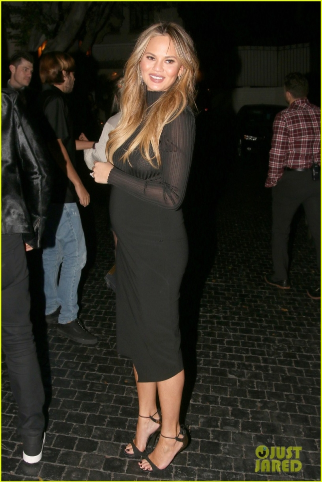 chrissy-teigen-dresses-up-her-bump-for-night-out-01