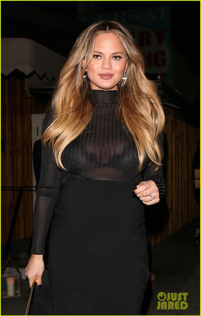 chrissy-teigen-dresses-up-her-bump-for-night-out-04