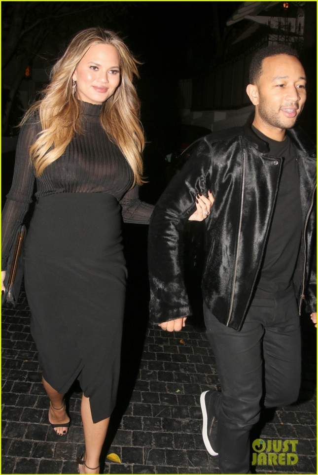 chrissy-teigen-dresses-up-her-bump-for-night-out-18