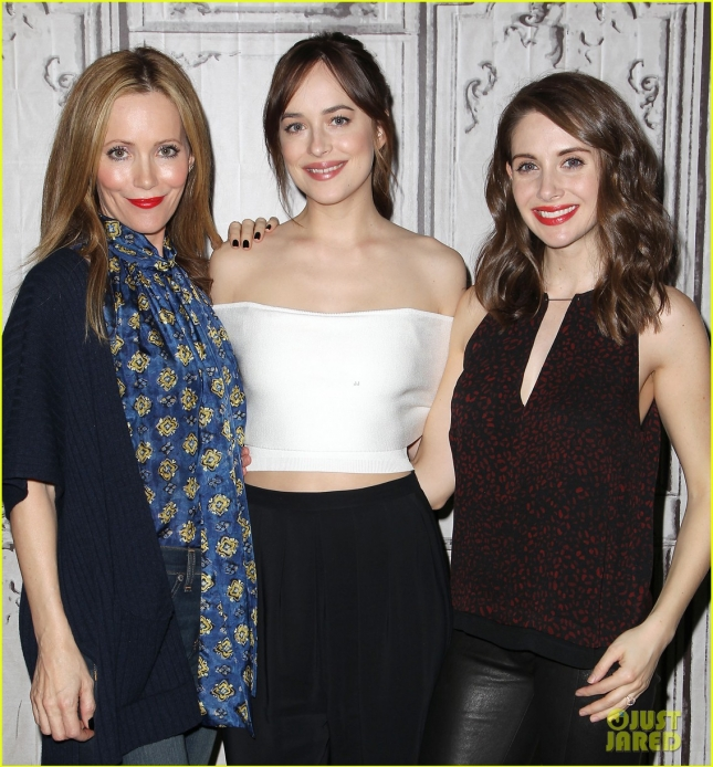 dakota-johnson-reveals-the-worst-part-about-being-single-20