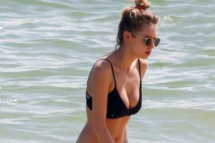 dylan-penn-beach-brazil-bikini-01