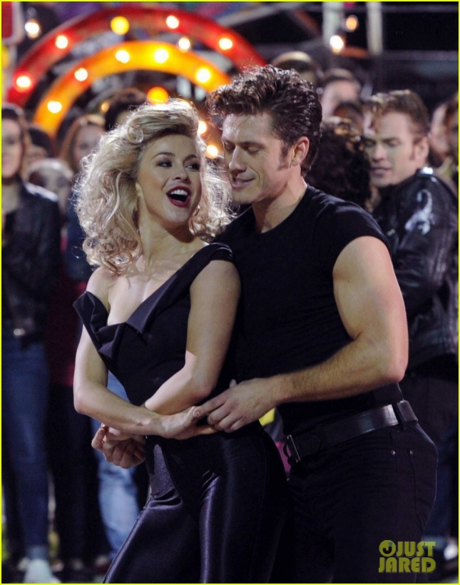 grease-live-watch-every-performance-video-04