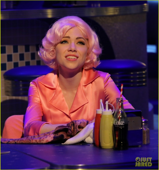 grease-live-watch-every-performance-video-07