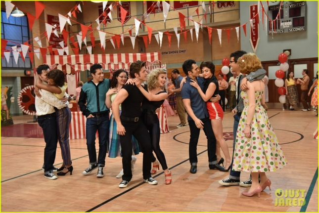 grease-live-watch-every-performance-video-13