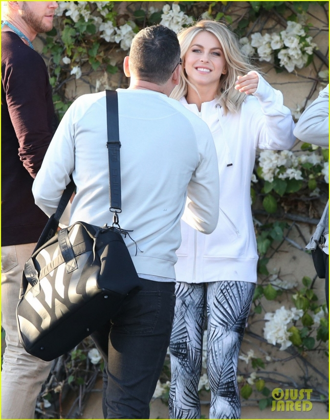 Exclusive... Julianne Hough Doing A Photo Shoot On Melrose