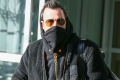 justin-theroux-wraps-up-in-freezing-nyc-02