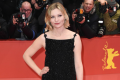 kirsten-dunst-discusses-the-difficulties-of-being-a-child-star-01