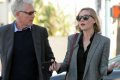 kirsten-dunst-shopping-with-dad-05