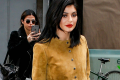 kylie-jenner-posts-crazy-snap-story-ft-friends-02