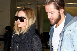 margot-robbie-heads-to-new-york-with-boyfriend-tom-ackerley-03