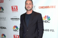taylor-kinney-suits-up-for-tvguide-party-01